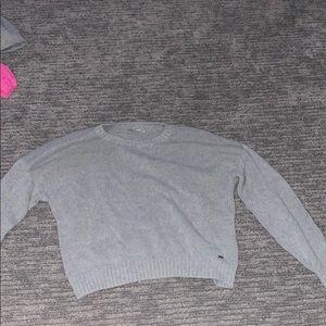 Grey Hollister sweater!🦋